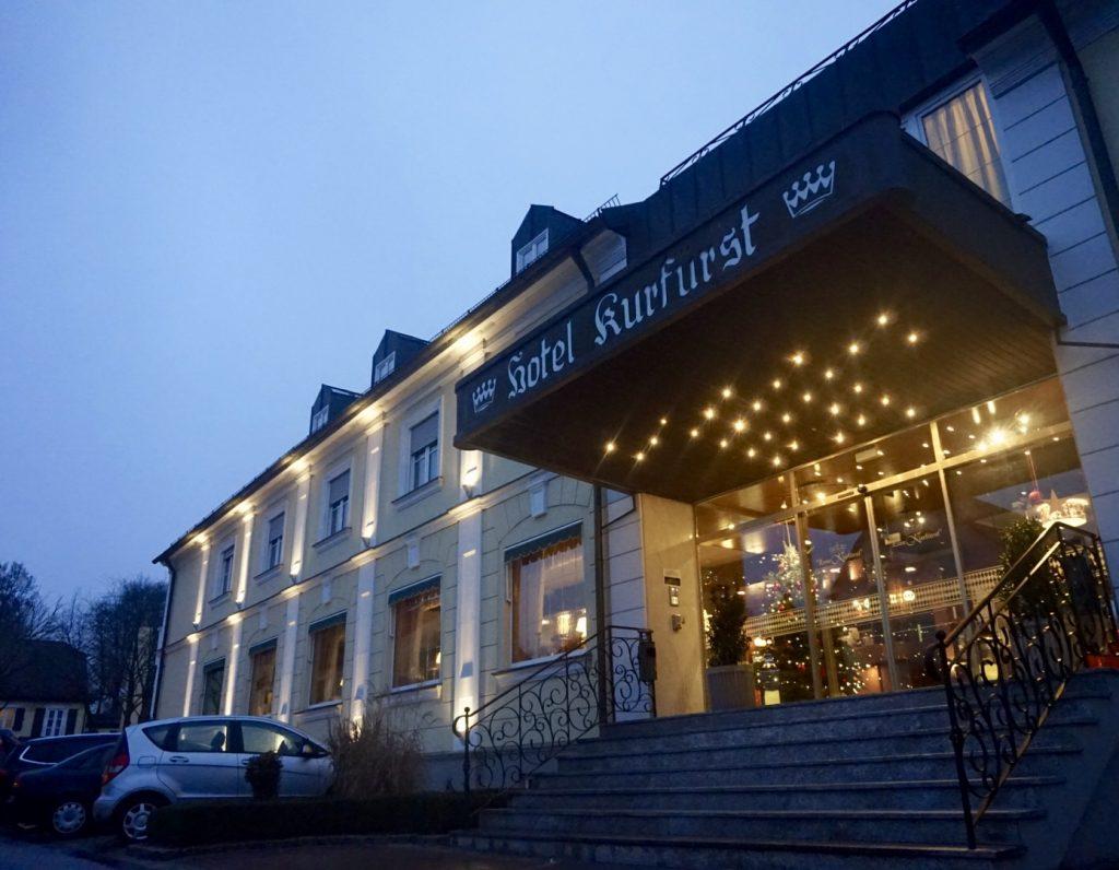das Hotel am Schlosspark Zum Kurfürst, Fasten Ur Seatbelts, Munich, München