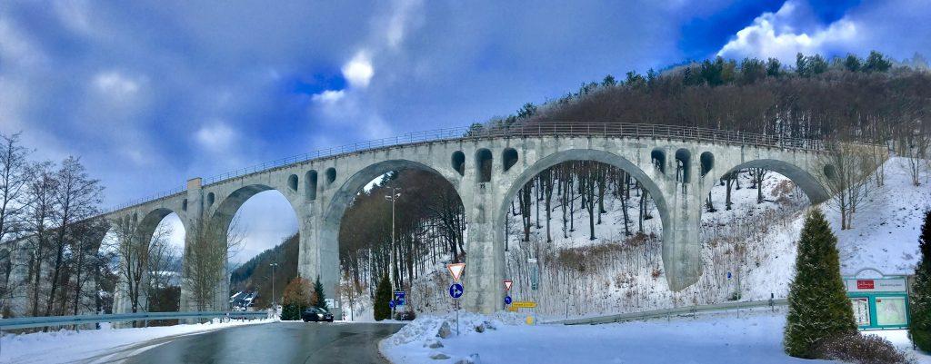 H+ Hotel nach Willingen , Willinger Viadukt