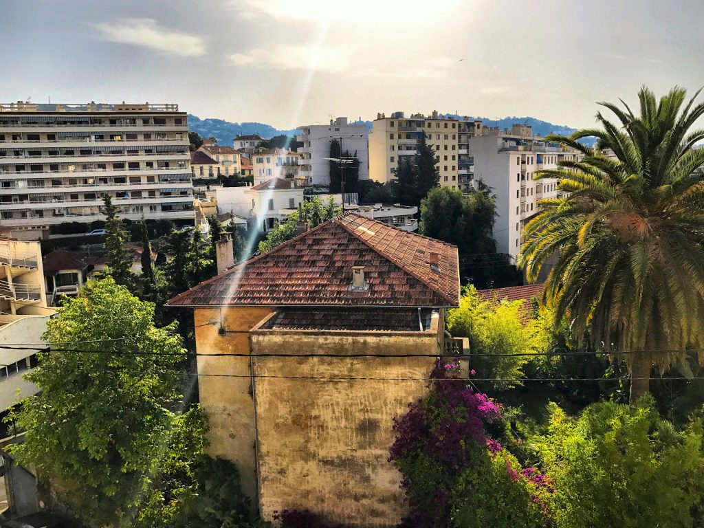 Fasten Ur Seatbelts, Cannes, France, Travel guide