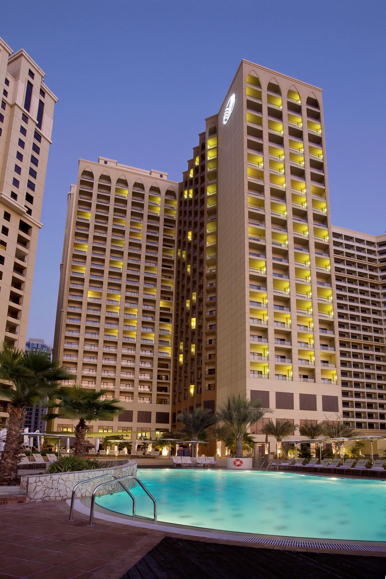 Fasten Ur Seatbelts, Dubai, Annika,