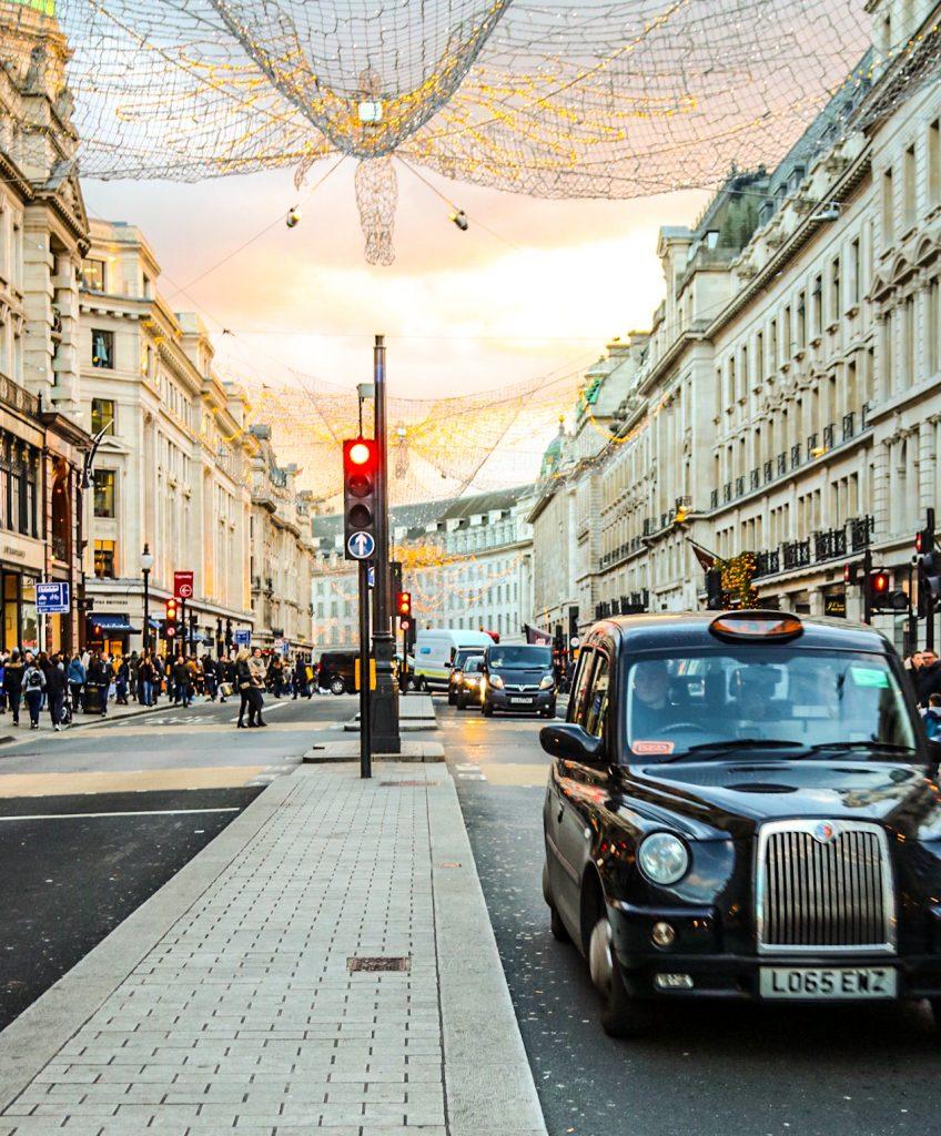 London, Fasten Ur Seatbelts, Annka