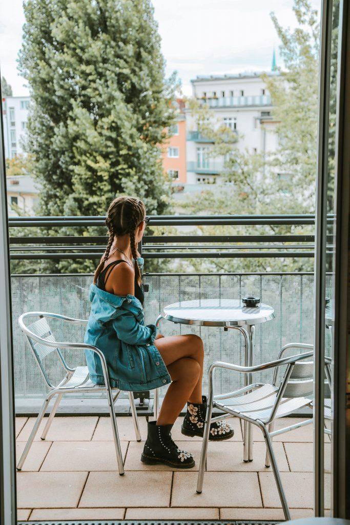 Berlin, Hyperion Hotel, Fasten Ur Seatbelts, Annika