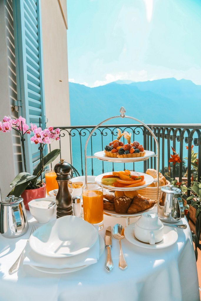 7 Best breakfast spots with a view