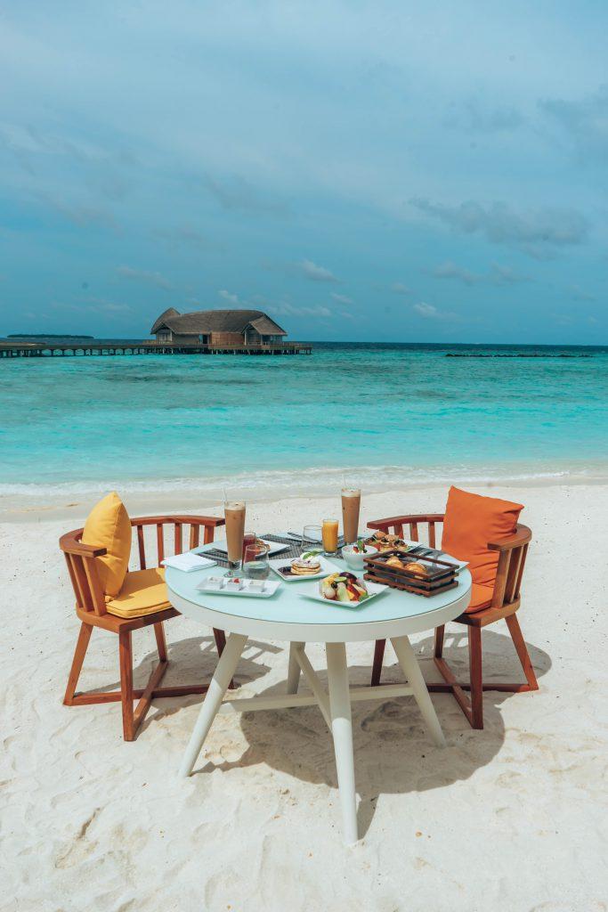 Faarufushi, Maldives, Fasten Ur Seatbelts